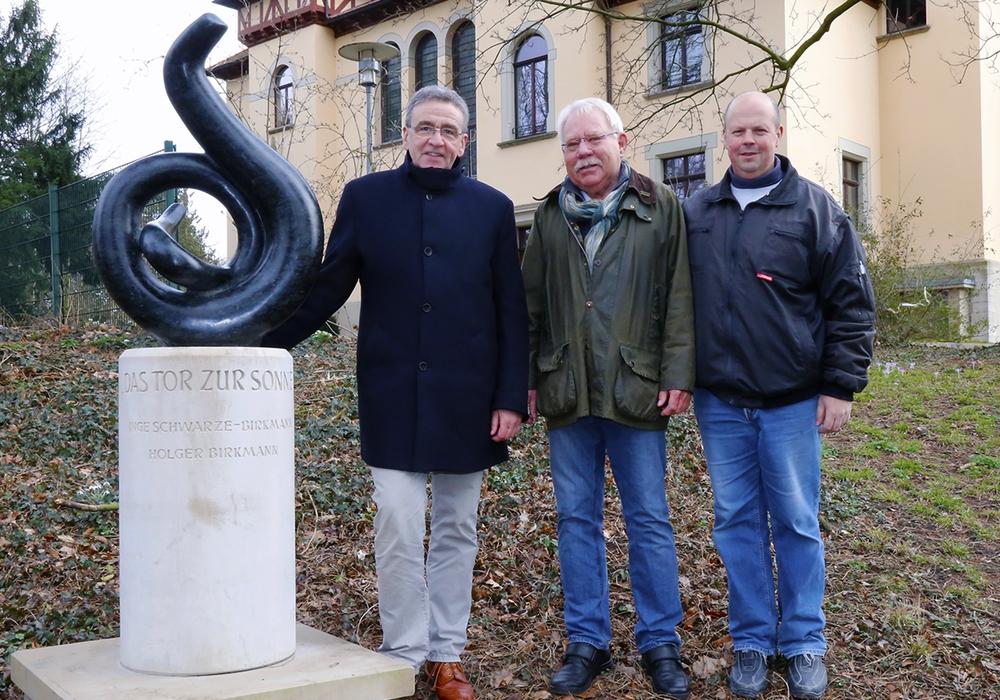 Bürgermeister Thomas Pink, Holger Birkmann und Andreas Giesecke (v. li.). Foto: Stadt Wolfenbüttel