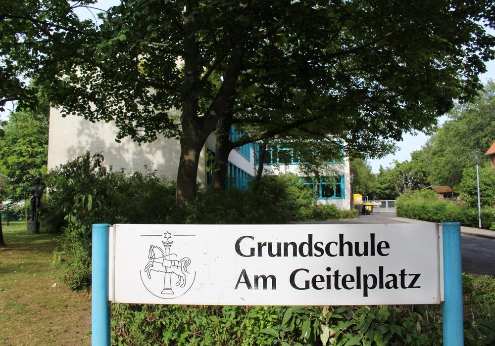 Die Errichtung einer Mensa für die Grundschule wird sich noch weiter verzögern. Symbolfoto: Jan Borner