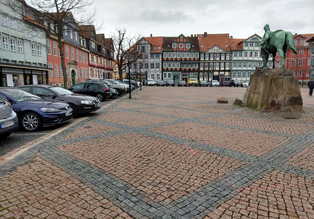 Nach dem Weihnachtsmarkt in diesem Jahr ist Schluss mit Parken auf dem Stadtmarkt. Foto: Werner Heise