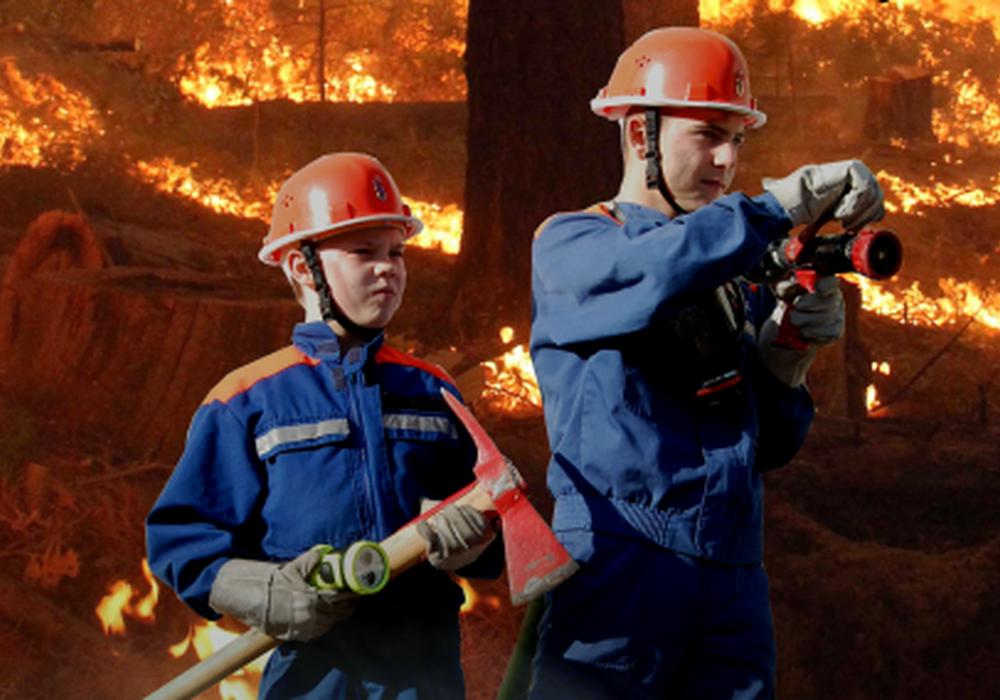 Jugendliche werden zu echten Feuerwehrleuten. Foto: Freiwillige Feuerwehr Braunschweig