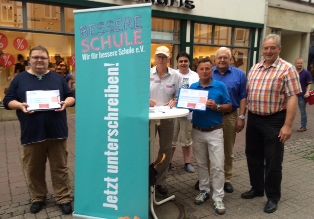 Michael Narloch, Norbert Cebulski, Simon Buchholz, Bernhard Bolien, Klausd Hantelmann und Frank Oesterhelweg. Foto: CDU