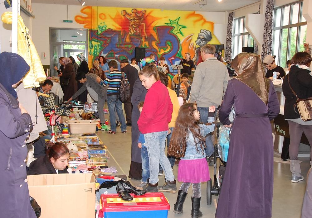 Kinder können sich für den Deckenflohmarkt in der Nummer 10 anmelden. Foto: Familienzentrum Peine.