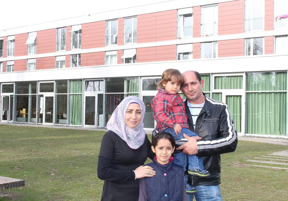 Hanan und Abdul mit Tochter Hanin und ihrem Sohn Mohammed. Foto: Jan Borner
