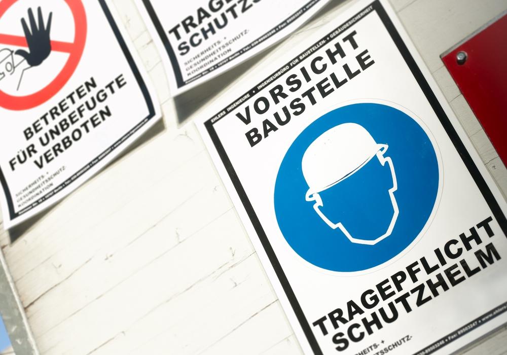 Fehlender Arbeitsschutz kann auf der Baustelle tödliche Folgen haben. Davor warnt die Gewerkschaft IG BAU und fordert mehr staatliche Kontrollen. Foto: IG BAU
