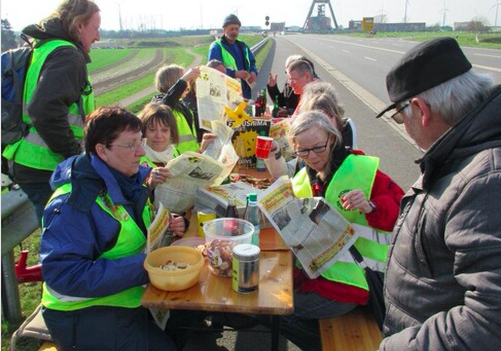 Probesitzen zur Frühstücksmeile. Foto: Umweltzentrum Braunschweig