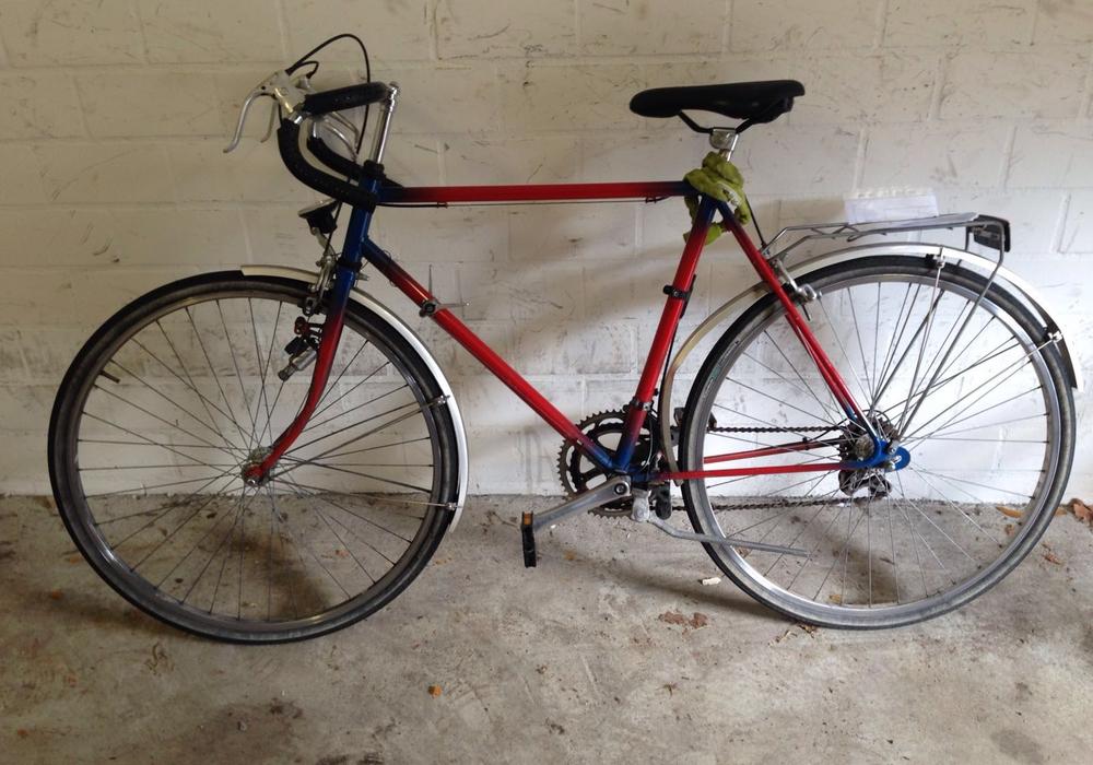 Das Rennrad wurde vermutlich am 20. März vor dem Edeka-Markt in Gamsen gestohlen. Foto: Polizeiinspektion Gifhorn