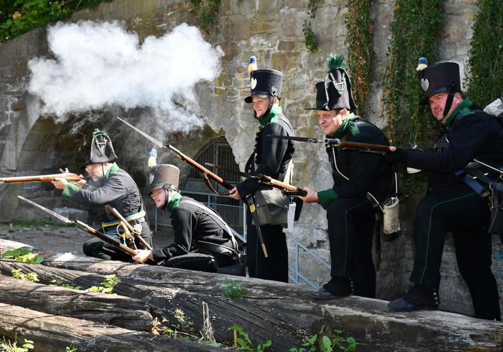 Das Herzoglich-Braunschweigische-Feldkorps beim Reenactment in Wolfenbüttel. Fotos: Andreas Meißler