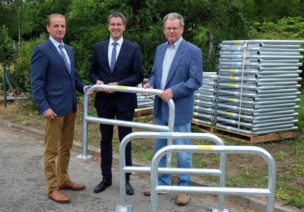 Von links nach rechts: Hennig Brandes, Verbandsdirektor, Dr. Oliver Junk, Oberbürgermeister der Stadt Goslar, Michael Kramer, stellvertretender Verbandsvorsitzender.