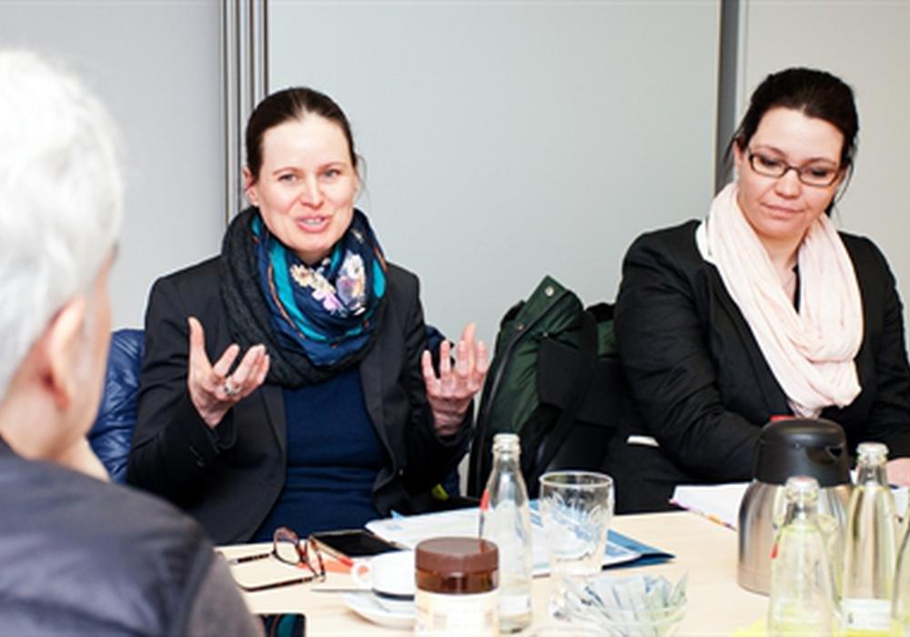 Daniela Engelbrecht und Nadja Kusel vom Diakonischen Werk Wolfsburg. Foto: Stadt Wolfsburg