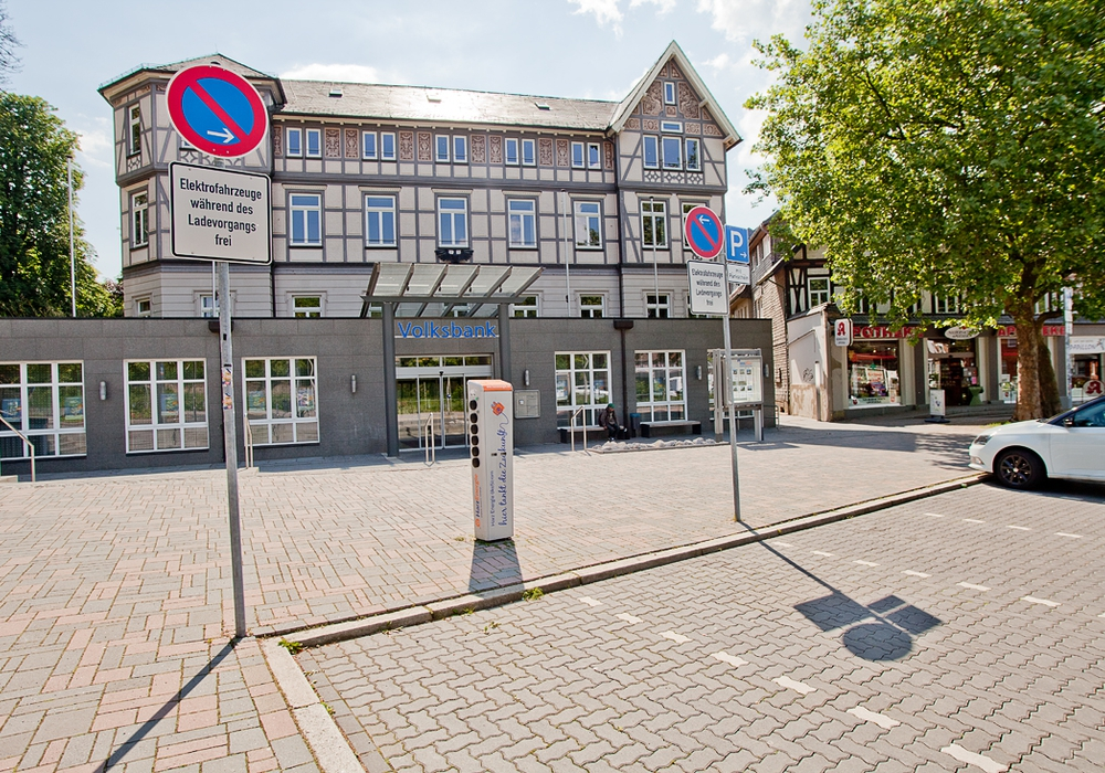 E-Mobil-Parkplätze in der Rosentorstraße. Foto: Alec Pein