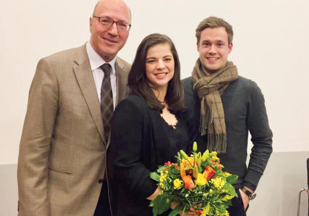 Dr. Hans-Joachim Throl, der Vorsitzende des FDP Kreisverbandes Wolfsburg, Kristin Krumm und Lars Alt, der Kreisvorsitzende der FDP Helmstedt. Foto: FDP Wolfsburg