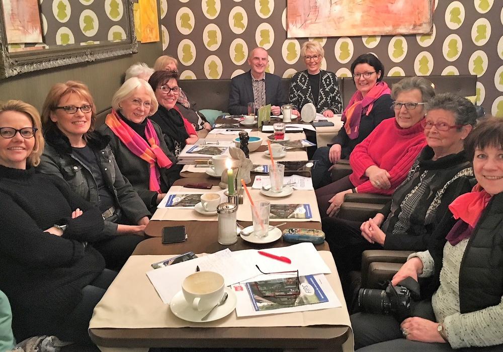 Die Damen ließen sich ausführlich über die Arbeit von FIPS informieren. Foto: CDU Frauen Union