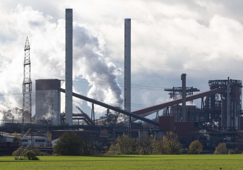 Die Arbeit bei der Salzgitter AG gehe weiter - Wenn auch deutlich reduziert. (Symbolbild)