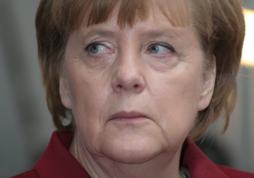 Auch ein Computer von Bundeskanzlerin Angela Merkel soll von der Cyberattacke auf den Bundestag betroffen sein. In ihrem Namen sollen E-Mails mit einem Link auf Schadsoftware verschickt worden sein. Foto: Werner Heise