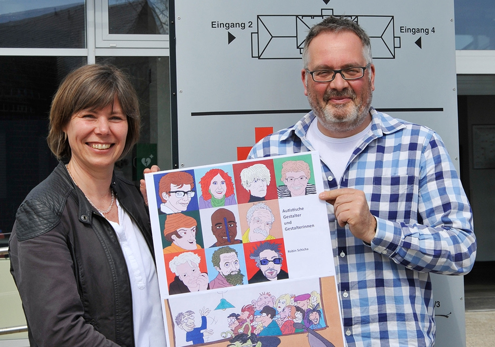 Petra Kaschefski und Thomas Stoch aus dem Leitungsteam des DRK Integrations- und Therapiezentrums Am Exer laden zur Lesung am 11. April ein. Foto: DRK