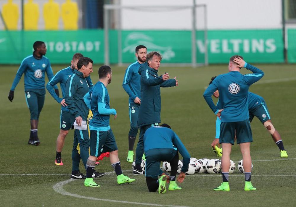 """""""Das Team ist engagiert."""" Andries Jonker warnt davor, dass es zu motiviert sein könnte. Foto: Agentur Hübner"""
