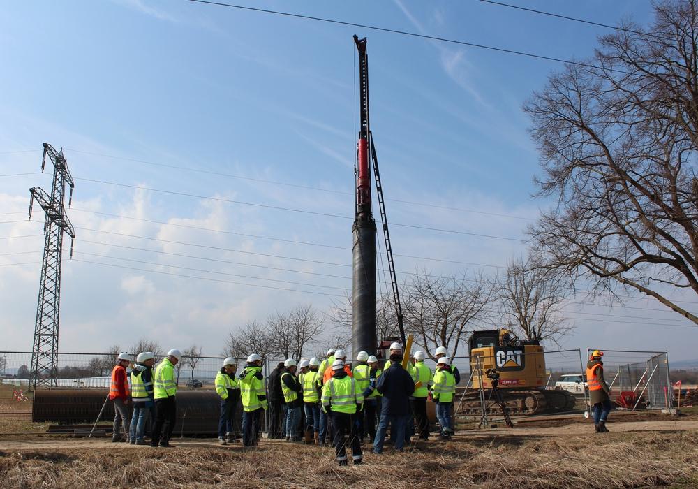 Am gestrigen Dienstag erfolgte der Baubeginn bei Einbeck. Foto: Tennet