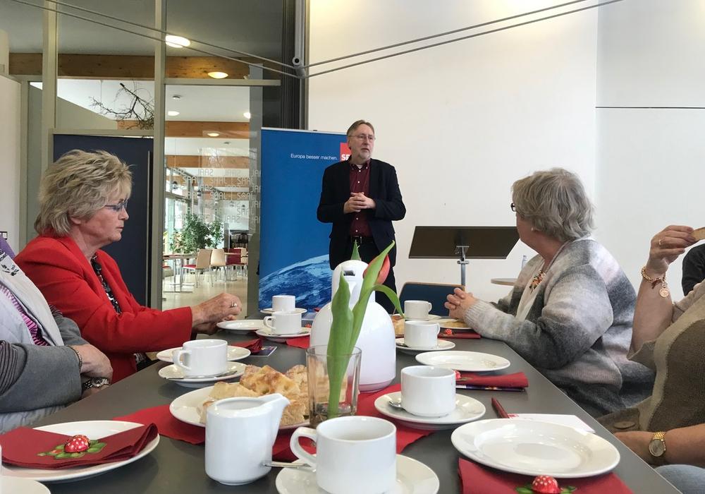 """Beim diesjährigen Frühstückscafé war """"Europa"""" das Thema. Foto: SPD"""