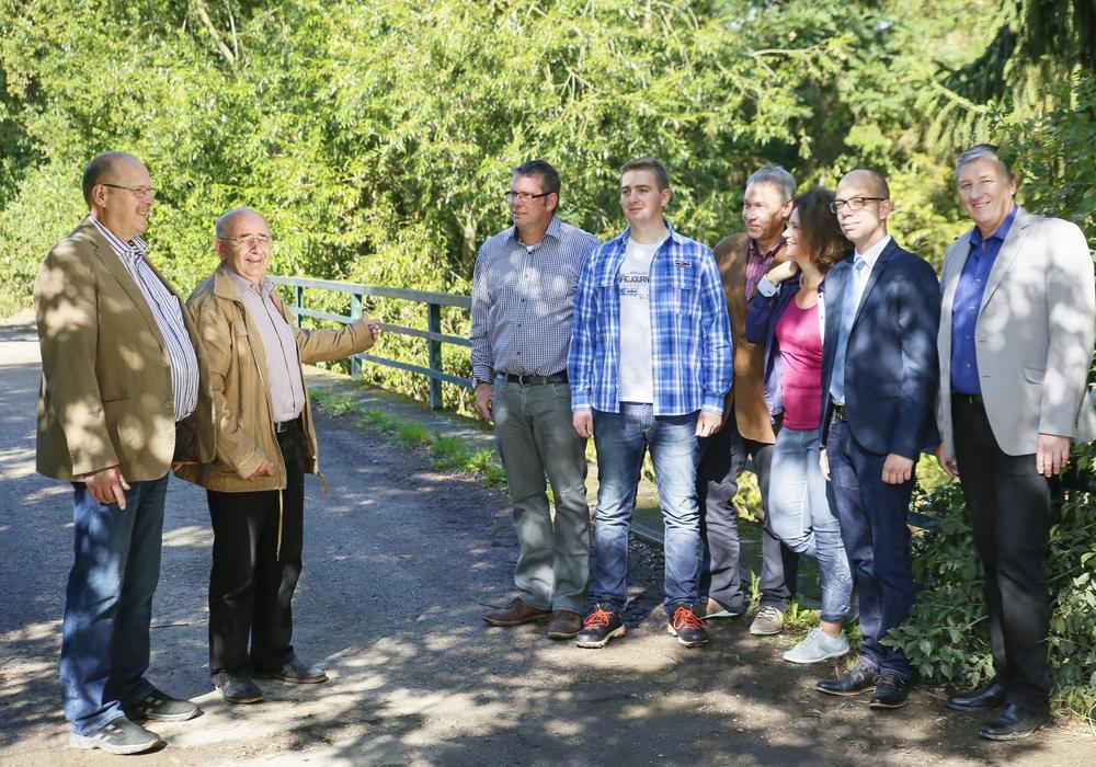 Von links: Joachim Homes, Bürgermeister Bruno Polzin, Andreas Niebuhr, Jan-Phillipp Preißner,  Dietmar Wessel, Susanne Fahlbusch, Kai Nahser, Oliver Ganzauer. Foto: privat
