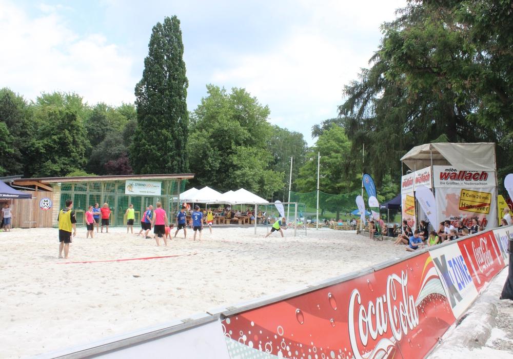 Bereits zum vierten Mal finden in Wolfenbüttel die Beach-Days statt. Am Stadtstrand am Landeshuter Platz heißt es noch bis 12. Juni 2016: Spaß im Sand. Fotos: Anke Donner