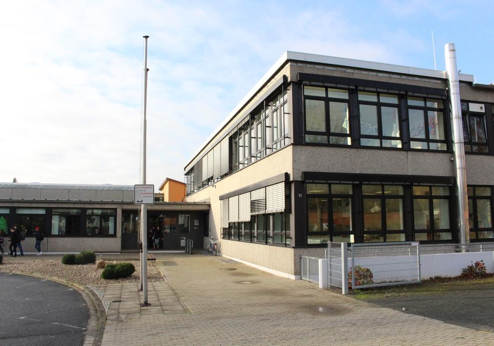 Die CDU-Fraktion schlägt vor, die Regionalstelle in der Schule am Teichgarten einzurichten. Foto: Archiv