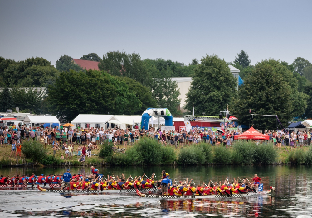 Das beliebte Drachenbootrennen ist in jedem Jahr ein Highlight. Fotos: Stadt Salzgitter/Andre Kugellis