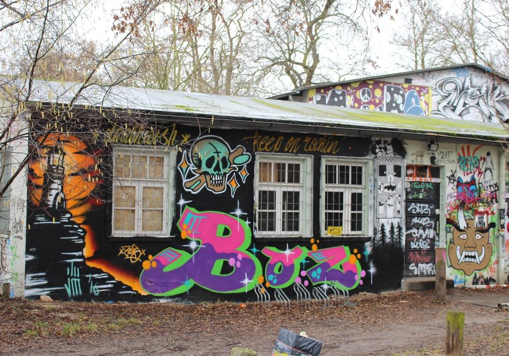 Das unter Denkmalschutz stehende Jugendhaus soll schon 2017 saniert werden. Foto: Eva Sorembik