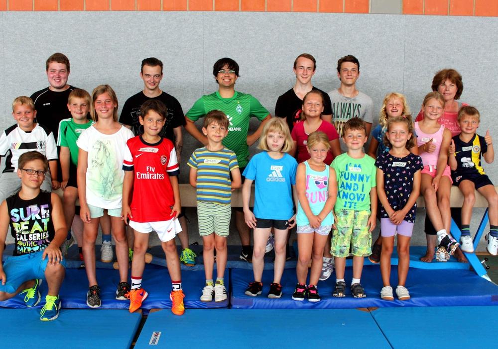 Betreuer und Kinder der ersten Gruppe.  Foto: privat