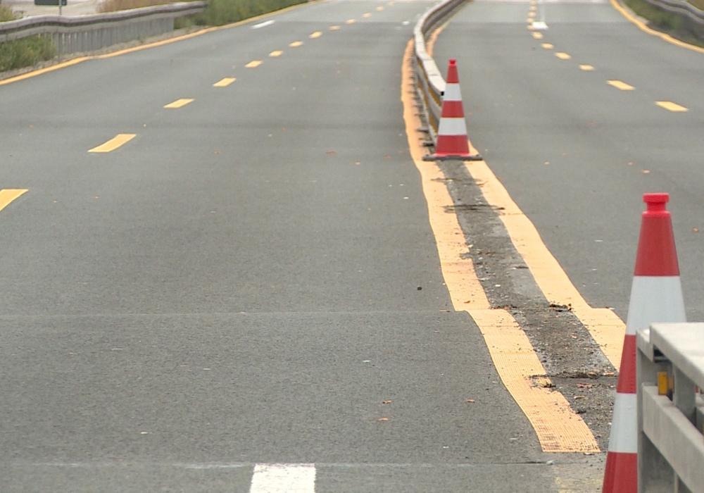 Die Straße ist abgesackt und muss erneuert werden. Foto: aktuell24