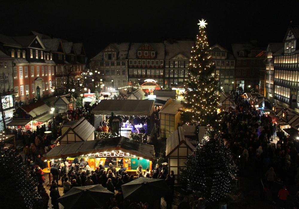 Wie wäre es mit einer Führung über den märchenhaften Weihnachtsmarkt? Foto: Marian Hackert