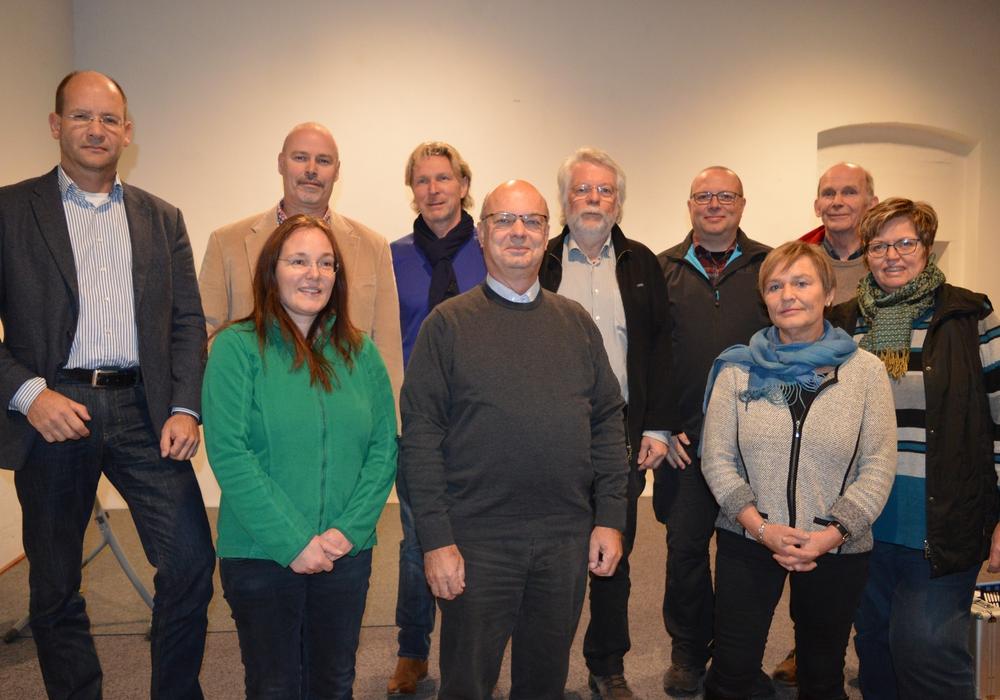Der Rat der Gemeinde Erkerode für die Wahlperiode 2016-2021 mit Bürgermeister  Dr. Heinrich Füchtjohann (2. Reihe, 4. von links). Foto: Margit Richert
