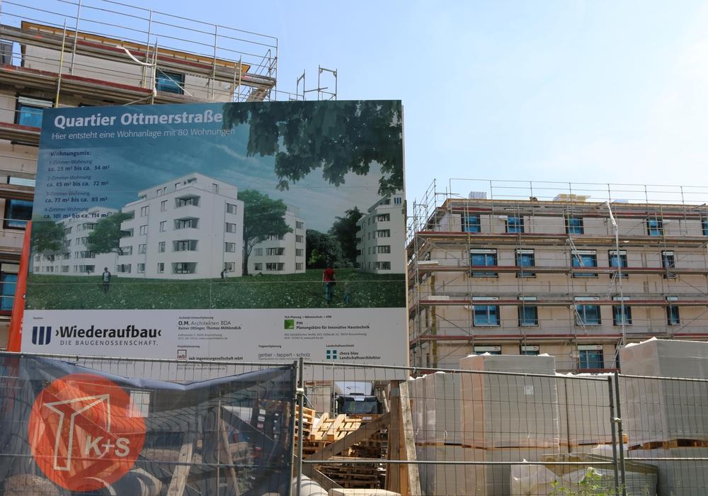 Bergfest für das Neubauprojekt im Quartier Ottmerstraße. Hier entstehen 80 neue Wohnungen. Foto: Werner Heise