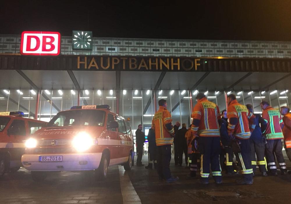Am Hauptbahnhof gab es Probleme im Informationsfluss bezüglich der Evakuierung. Foto: Alexander Panknin