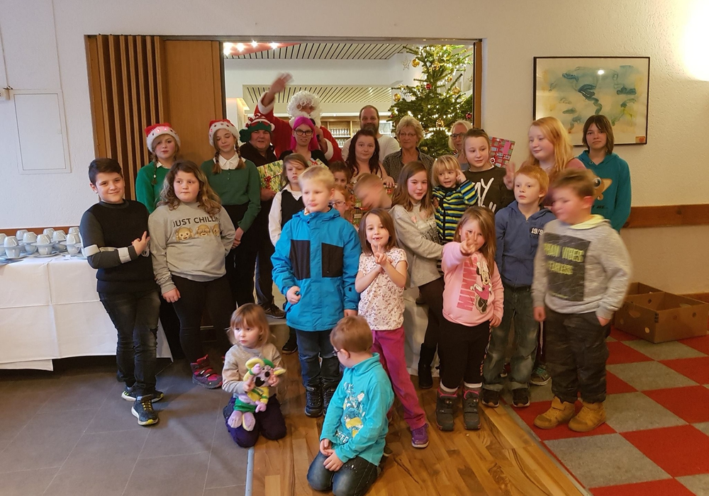 Die Organisatoren schafften es allen Kindern ein schönes Weihnachten zu bescheren. Fotos: Ercan Kilic