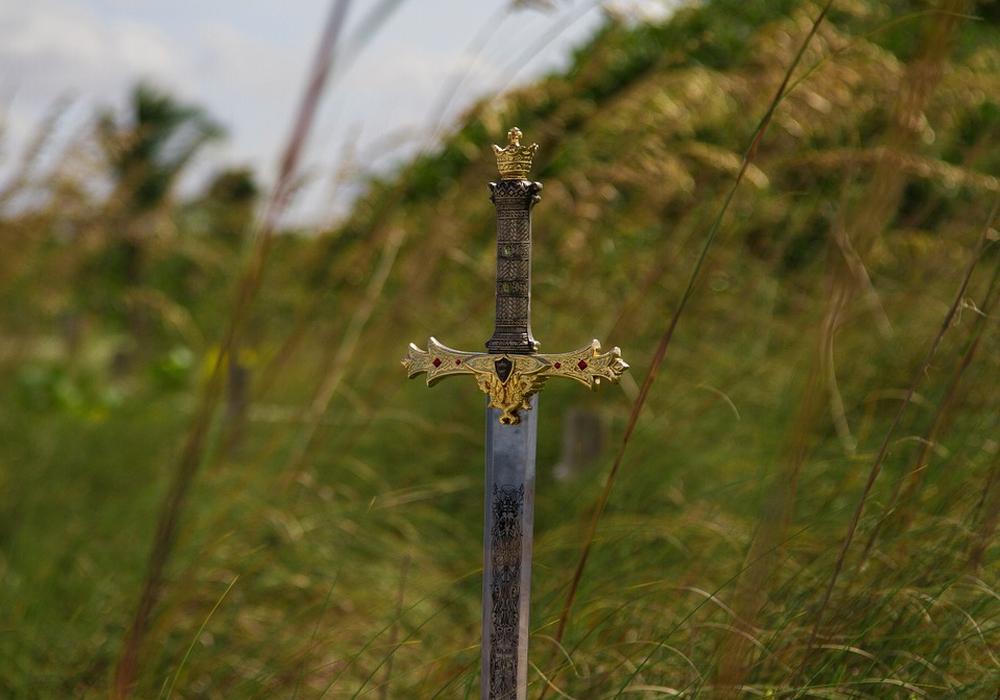 Der überfallene Juwelier wehrte sich mit einem Schwert. Symbolfoto: Pixabay