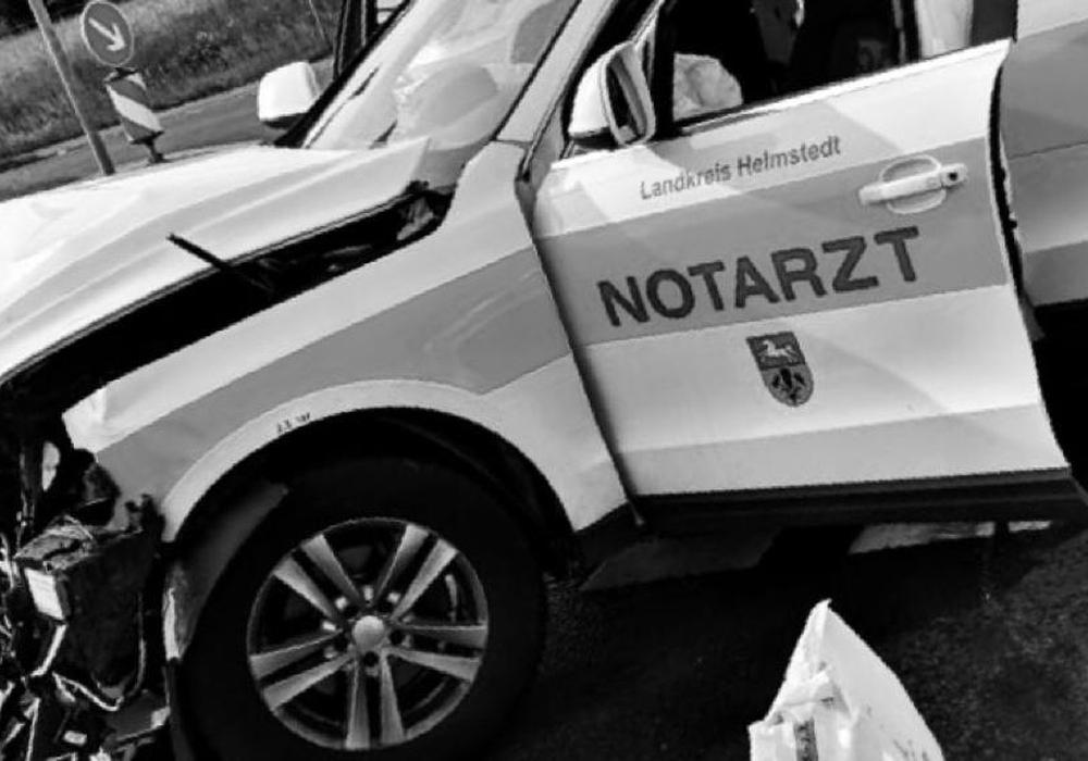 Aufatmen: Alle Beteiligten kamen mit leichten Verletzungen davon. Foto: Alexander Weis/Feuerwehr Helmstedt/Nick Wenkel