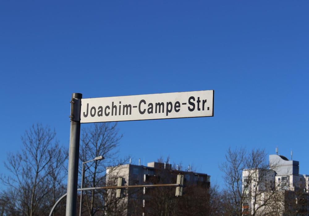 Nach Ansicht der Gleichstellungsbeauftragten gibt es zu wenig nach Frauen benannte Straßen im Stadtgebiet. Symbolfoto: Alexander Panknin