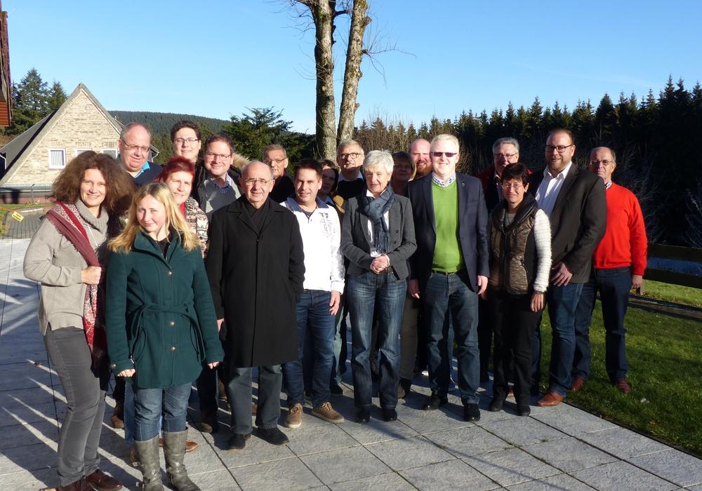 Die SPD-Kreistagsfraktion ist erfreut über die Bewilligung der IGS Schöppenstedt: Hier mit der Landrätin Christian Steinbrügge während der diesjährigen Klausurtagung im Oberharz. Foto: SPD