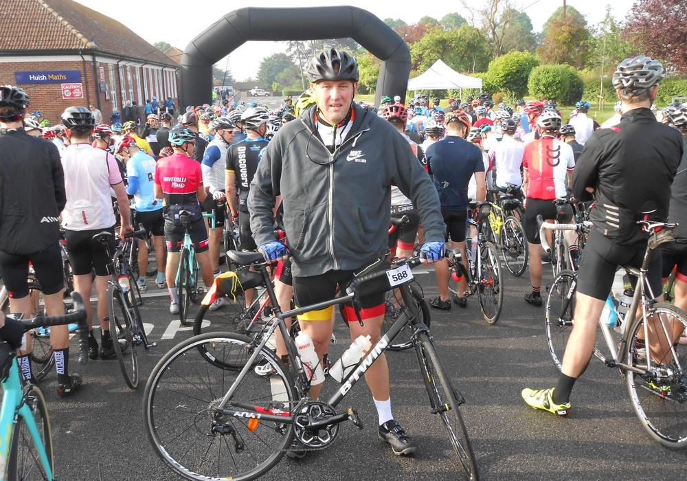 Arnd Laskowski vor dem Start. Er fuhr mehr als 350 Kilometer durch England. Foto: Laskowski