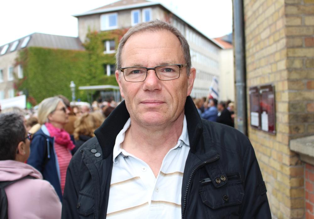 Sebastian Wertmüller, Geschäftsführer für den ver.di Bezirk Süd-Ost-Niedersachsen, fordert mehr Engagement gegen Rechtsextremismus. Foto: Alexander Dontscheff