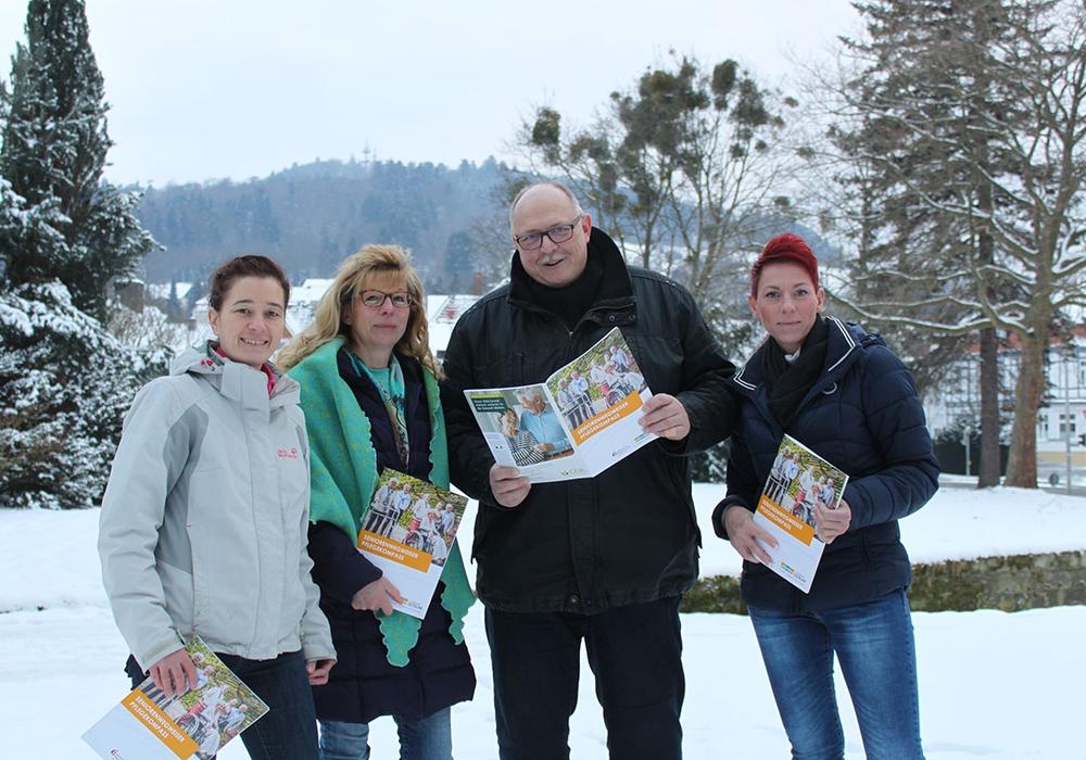 Das Team des SPN – hier vertreten mit Meike Gärtner, Susanne Neumann, Michael Grabitz und Nicole Hammer (von links) – wird am Tag der offenen Tür neben der Vorstellung des Seniorenwegweisers auch für individuelle Fragen zur Verfügung stehen. Foto: Landkreis Goslar