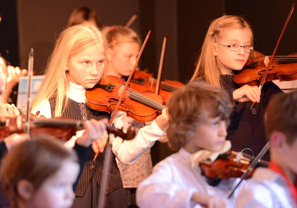 Verschiedene Klasse zeigen ihr Können. Foto: Musische Akademie