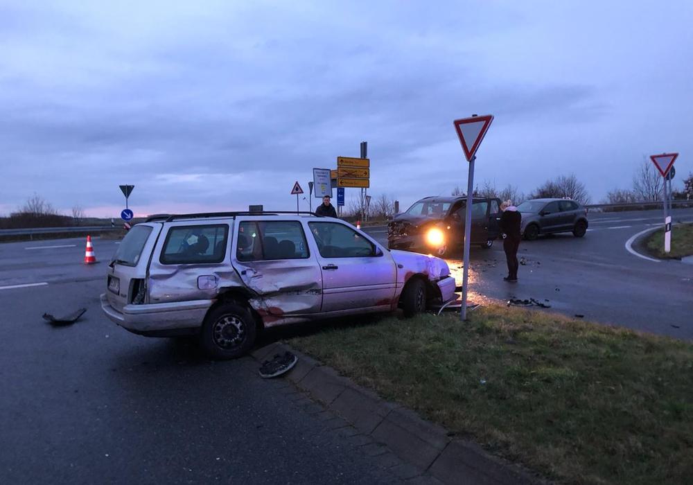 An der Anschlussstelle Rennau kollidierten zwei Fahrzeuge. Foto: Alexander Weis