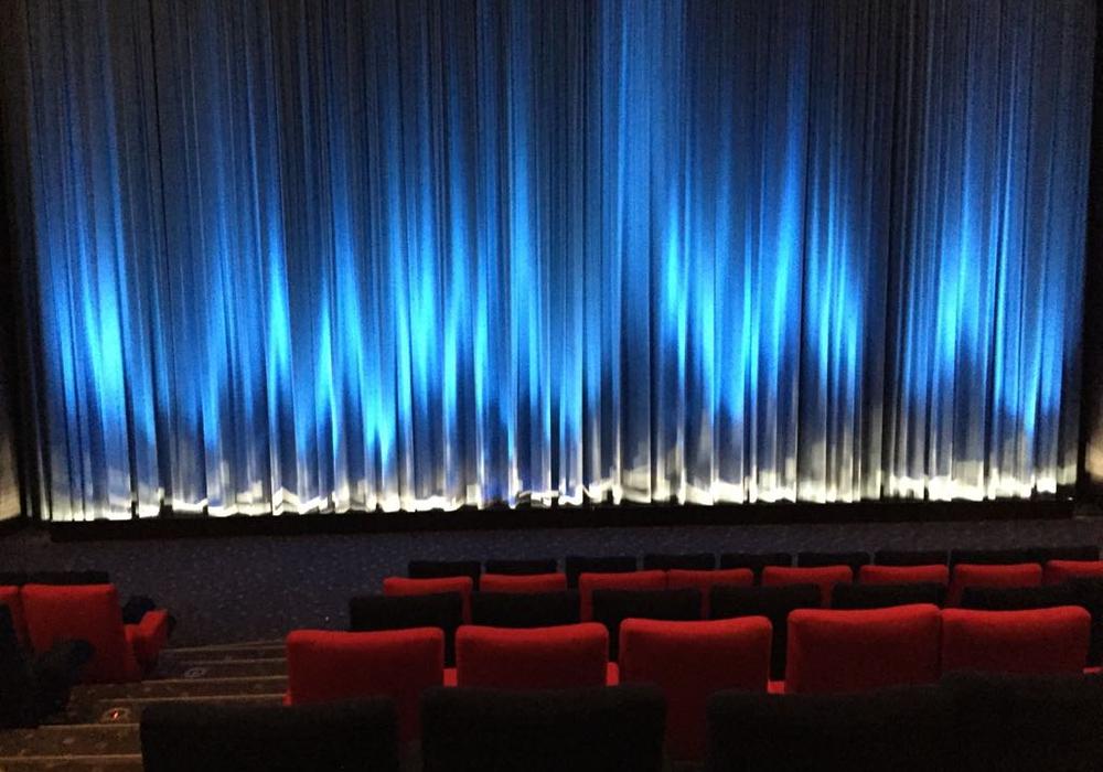 Der Kinosaal wird zum Klassenzimmer. Symbolfoto: Anke Donner