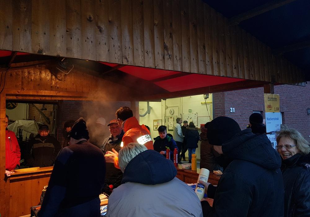 Insgesamt wurden bei der Osterfeier etwa einhundert Gäste gezählt. Foto: Freiwillige Feuerwehr Brunsrode