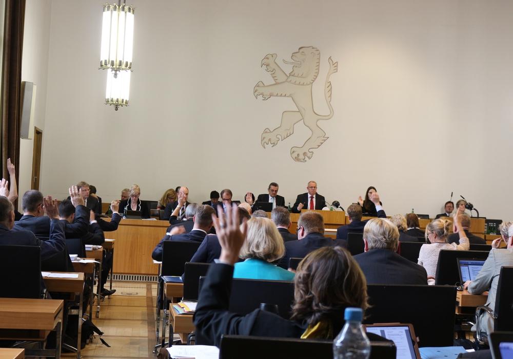 """Stimmt der Rat der Stadt dafür, dass Braunschweig ein """"Sicherer Hafen"""" wird? Symbolfoto: Archiv"""