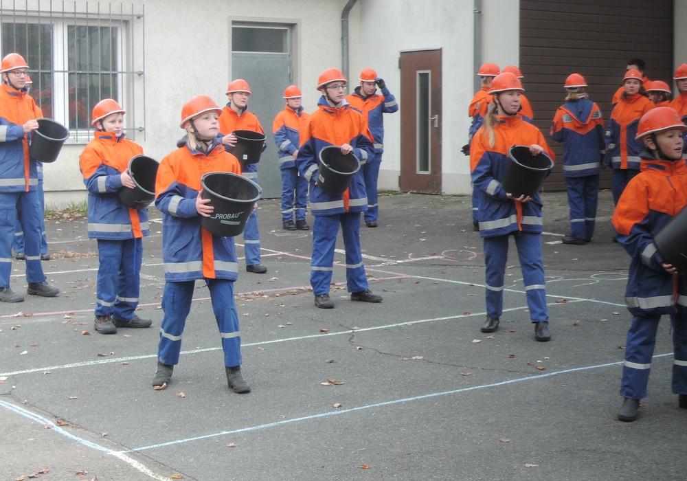 Über das Jahr gab es bei der Jugendfeuerwehr Watenbüttel viele Aktivitäten. Fotos: privat