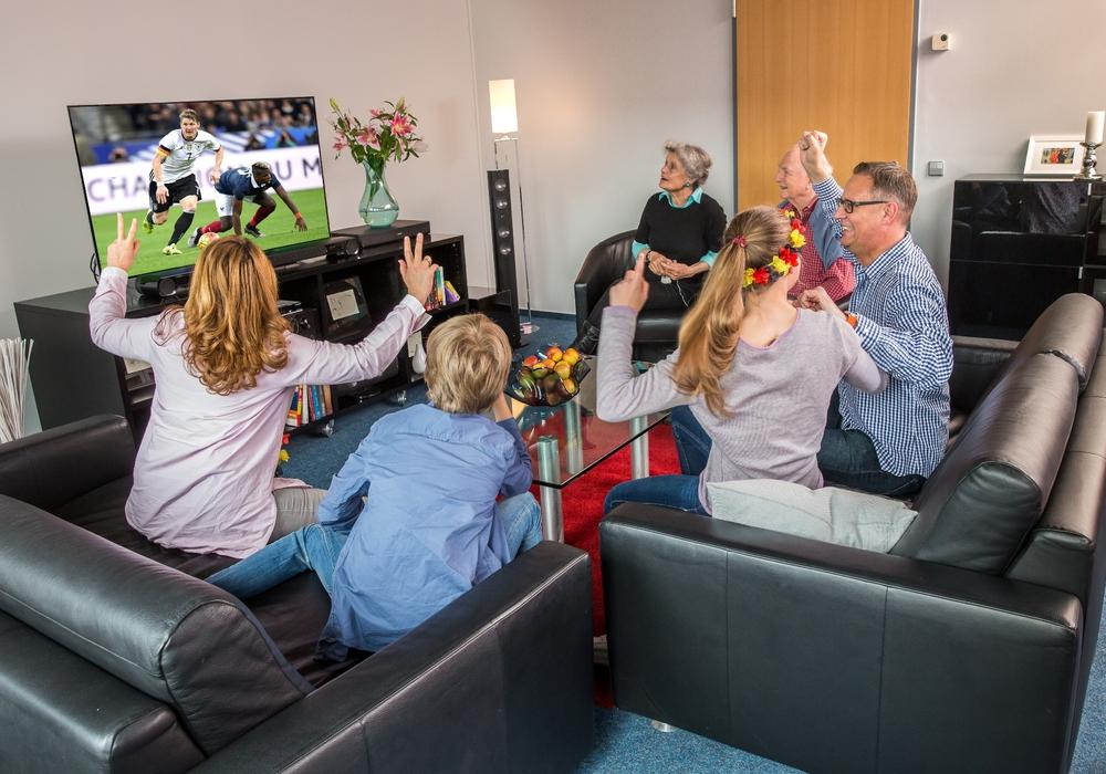 Die erste Stufe von DVB-T2 HD startet pünktlich zur Fußball-EM. Foto: Axel Herzig