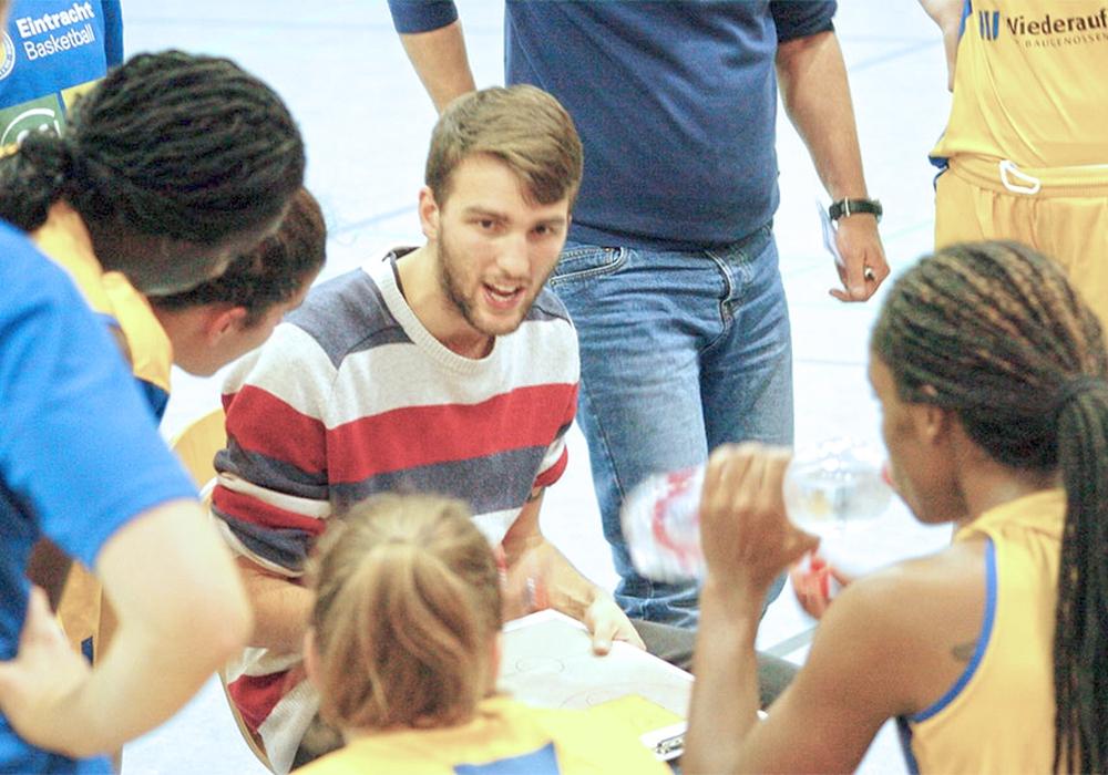 Gibt in Zukunft nicht mehr die Richtung vor: Ex-Wolfpack-Coach Pierre Hohn. Foto: Maschauer