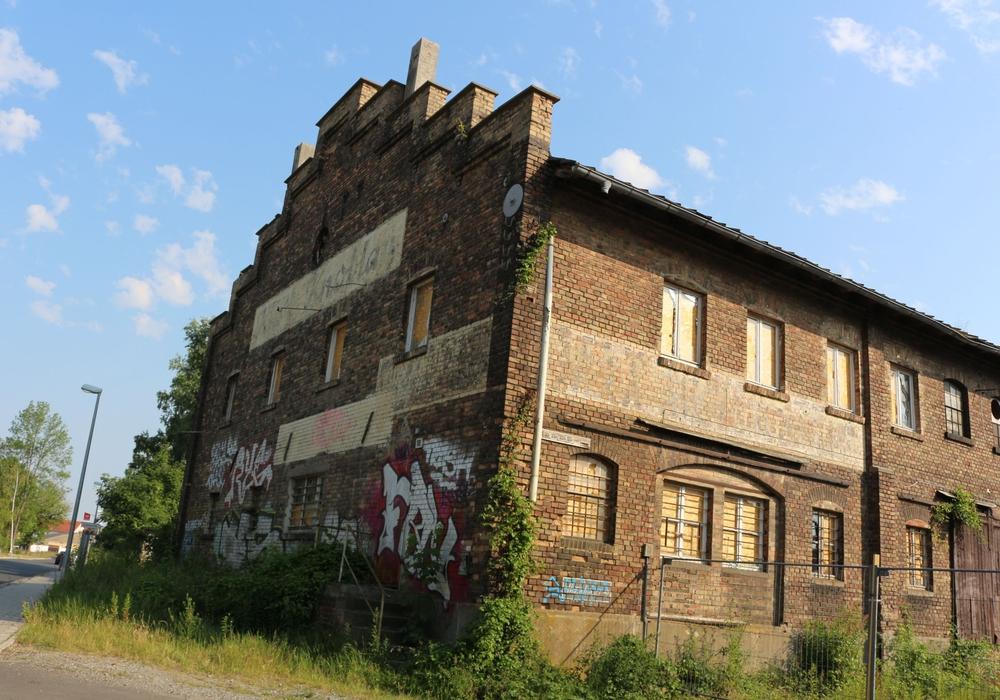 Die alte Halle wird zum Zankapfel - abreißen oder Teile erhalten ist die Frage. Foto: Robert Braumann